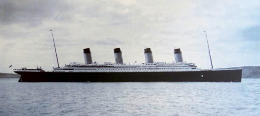 Titanic-Cobh-Harbour-1912-600